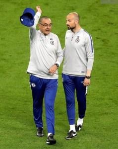 Maurizio Sarri quittabt la séance d'entraienement, fou furieux, avant la finale d'Europa Ligue contre Arsenal