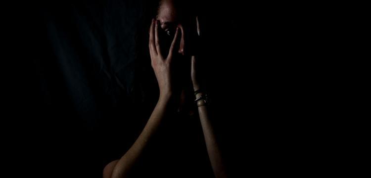 Une femme victime de violences conjugales
