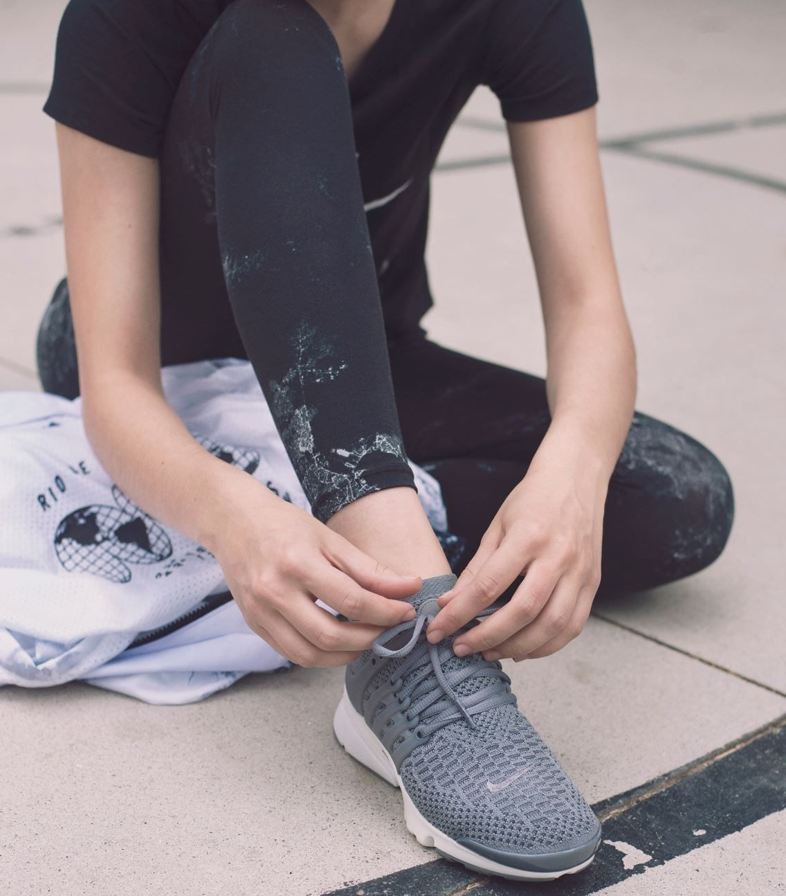 Avec une lame de carbone dans la semelle et des coussins d'air, les Vaporfly de Nike font tomber les records, depuis leur sortie en 2016.