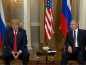 Donald Trump en Vladimir Poetin tijdens hun topoverleg in Helsinki (16 juli 2018)