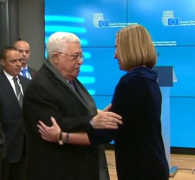 EU Hoge Vertegenwoordiger Federica Mogherini ontvangt de Palestijnse leider Mahmoud Abbas.