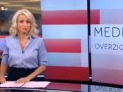 Nieuwslezeres Dionne Stax presenteert het NOS-Journaal.