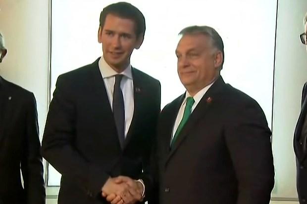 Sebastian Kurz ontvangt Viktor Orban op de informele top van de EU-regeringsleiders in Salzburg (19 september 2018).
