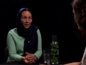 Shirin Musa geïnterviewd door Esther van Fenema bij Café Weltschmerz (28 juli 2017).