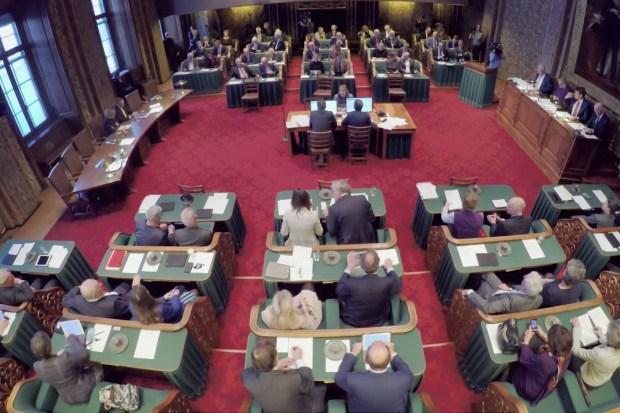 plenaire vergadering van de Eerste Kamer
