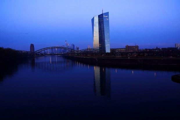 """Titelfoto bij artikel redactie OpinieZ """"Nederland, de EU en de Euro: verstandig verder (3)"""""""