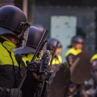 Nu de politie tribaliseert, zucht de rechtsstaat