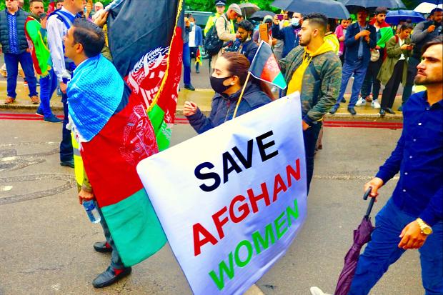 Afghanistan-experts NOS strijken de sharia weer eens glad Sonja dahlmans opiniez Demonstratie afghaanse vrouwen