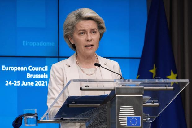 Begrotingsregels, EU, Europese Commissie, Stabiliteits- en groeipact, Brussel blijft versoepeling begrotingsregels propageren Johannes vervloed opiniez