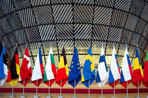 """""""Whatever it takes"""": de falende EU-stokpaardjes Wouter roorda opiniez, migratie, klimaat, energie, euro, europese eenwording"""