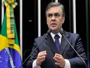 cassio-300x225 Imprensa nacional destaca que deputados do PSDB estão insatisfeitos com Cássio