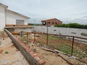 20160125175421-1-300x225 Mato, lixo e esgotos a céu aberto mostram descaso da Gestão do Prefeito Junior Nobrega no município da Prata, no Cariri