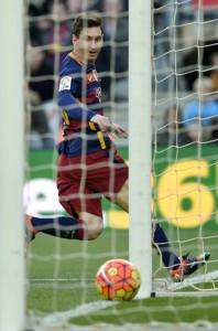 messi_bola-de-ouro-198x300 Messi caminha para a quinta Bola de Ouro