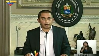 Maduro decreta estado de 'emergência econômica' na Venezuela 6