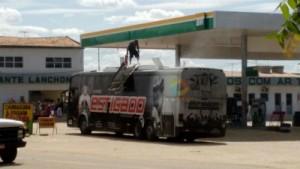 thumbs-2-300x169 Ônibus da Banda Forró Estigado pega fogo em posto de gasolina em Monteiro