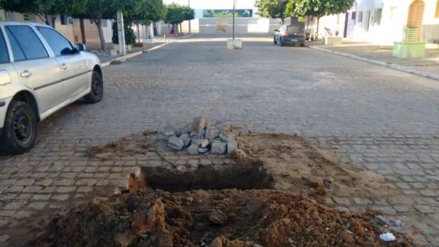 2ee525f3-3596-4bf6-9dd0-450ea252ee17-1024x576 CAGEPA deixa buracos nas ruas e prejudica população monteirense