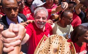 593046-970x600-1-1-300x186 Lula aceita convite de Dilma e assumirá Casa Civil