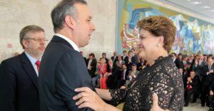 """agnaldo-ribeiro-e-dilma-300x156 """"Foi como se fosse uma faca no meu peito"""", diz Dilma sobre voto de deputado da PB"""