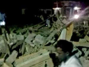 predio-300x225 Incêndio em templo na Índia mata dezenas