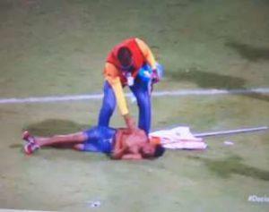 Campeonato-Alagoano-300x237 Briga em campo deixa torcedores gravemente feridos