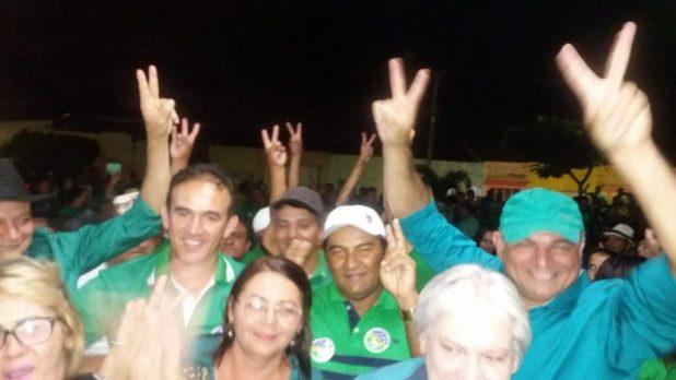 13902028_10207451687833500_1824560285_o-1024x576 PTdoB realiza convenção na Prata e lança Felizardo prefeito e Café para vice.