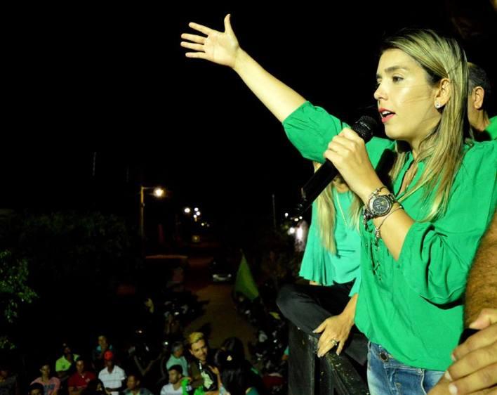 3 Multidão participa de caminhada da candidata Lorena de Dr. Chico no Conjunto Mutirão