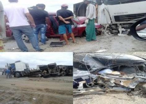 acidente_pocinhos-300x214 Serra-branquense morre em batida envolvendo caminhão e três carros em trecho da BR-230