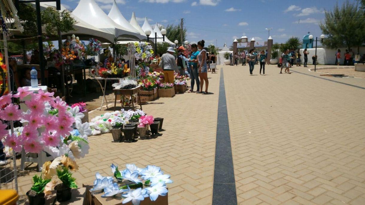 3cddc154-e976-4ddd-bc8a-768b08694a49 Dia de finados foi bastante movimentado em Monteiro