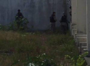 201612120541510000006861-300x219 Estudante de 13 anos é assassinado a golpes de tesoura em Mangabeira