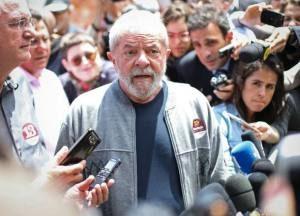Lula-300x216 Fonte do 'Estadão' garante que PT lança Lula à Presidência no início de 2017