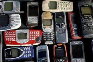 celulares-300x200 Celulares analógicos deixarão de funcionar em 2017, anuncia Anatel