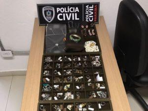 empresaria_receptacao_joias_furtadas_joao_pessoa_paraiba_wYLZoeL-1-300x225 Empresária é presa na Paraíba suspeita de receptar e vender R$ 1 milhão em joias furtadas