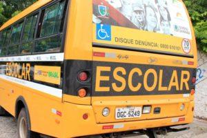 onibus_escolar_foto-walla_santos_4-300x200 Fiscalização flagra ônibus escolares com irregularidades na PB