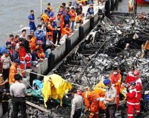 1700132-310x245-300x237 Incêndio em navio com turistas mata pelo menos 23 pessoas