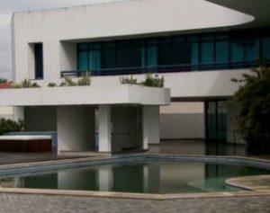 mans-o-310x245-300x237 Moradores de rua invadem mansão de ex-senador, em Brasília