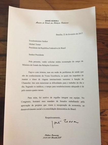 17053251 Serra entrega a Temer carta de demissão