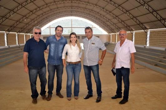 """lorena_chicao Prefeita Anna Lorena visita obras do ginásio poliesportivo """"O Chicão"""""""