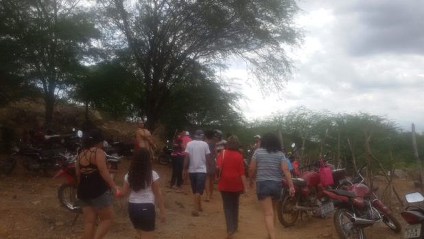 20170312_140128-1024x576 Centenas de pessoas visitan Barragem de São José no município de Monteiro neste Domingo.
