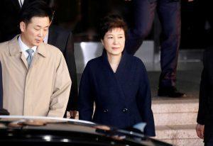 park-300x206-300x206 Procuradoria pede prisão de ex-presidente sul-coreana por corrupção
