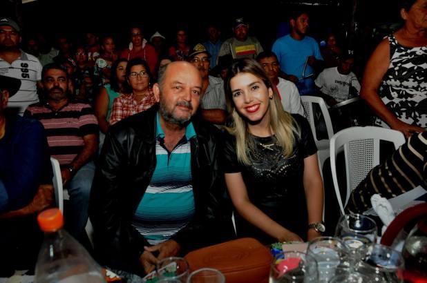 OPIPOCO mostra como foi a primeira noite do festival de quadrilhas em Monteiro. Confira Imagens 7