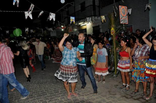 OPIPOCO mostra como foi a primeira noite do festival de quadrilhas em Monteiro. Confira Imagens 17