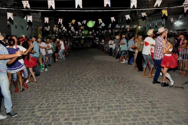 OPIPOCO mostra como foi a primeira noite do festival de quadrilhas em Monteiro. Confira Imagens 2