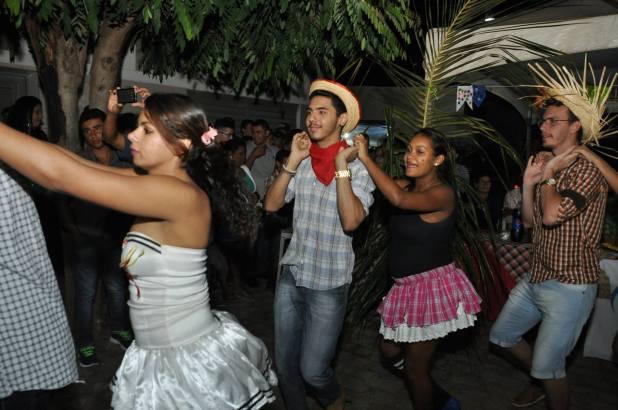OPIPOCO mostra como foi a Segunda noite do festival de quadrilhas em Monteiro. Confira Imagens 16