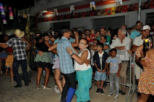 OPIPOCO mostra como foi a primeira noite do festival de quadrilhas em Monteiro. Confira Imagens 36