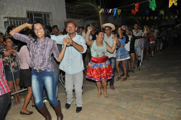 OPIPOCO mostra como foi a Segunda noite do festival de quadrilhas em Monteiro. Confira Imagens 34