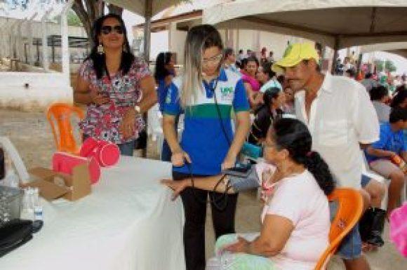 Serviço-Saúde-PMM-300x199 Prefeita Anna Lorena participa de evento para entrega de filtros de cerâmica e maquina Ensiladeira