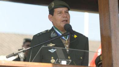 General fala em intervenção militar e é criticado por Exército 6