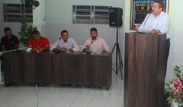 8 x 0 - Contas do Ex. Prefeito Dr. João Luís foram aprovadas por unanimidade. 5