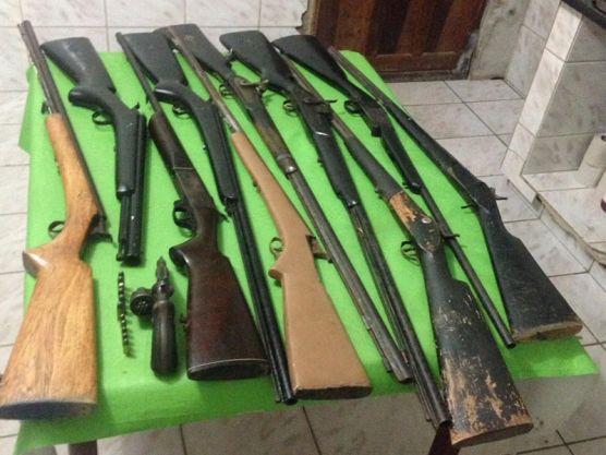 armas Polícia cumpre mandados e apreende 11 armas na região do Cariri paraibano
