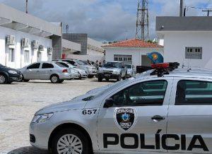 timthumb-4-1-300x218 Vereador do Cariri é foragido de operação contra tráfico e ataque a bancos